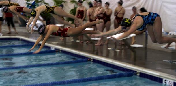 Women's swimming puts Roland Park in the red