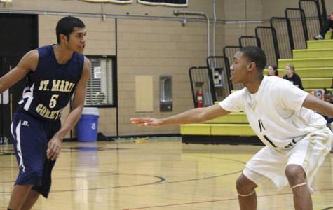 Men's varsity basketball dominates in first game of season