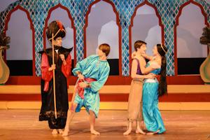 Underclassmen steal show in 'Aladdin'