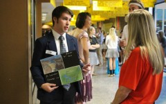 Week In Pictures: Prom, Grandparents Day, and 1920's Day