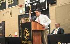 Week In Pictures: Senior Awards, Chemistry Lab, and Class Speeches
