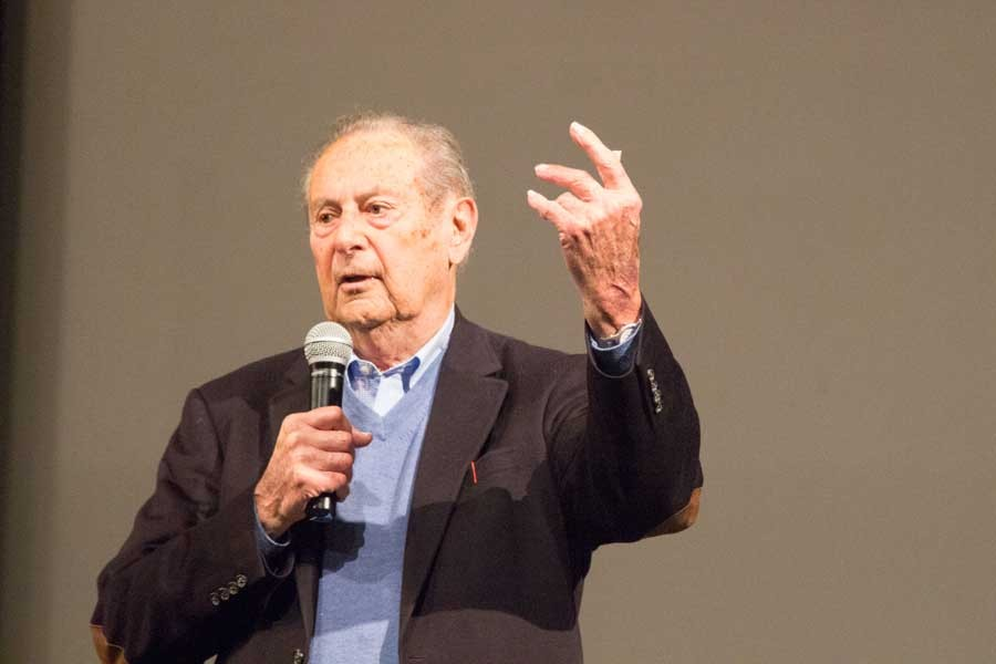 WWII+Solider+and+liberator%2C+Sol+Goldstein%2C+talks+about+his+experiences+to+students+on+Holocaust+Remembrance+day.