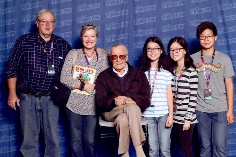 Seniors Lindsay (left) and Sierra Baker (right) pose with family and Stan Lee, a famous comic-book writer and former president of Marvel Comics at a Comic-Con. The Bakers have gone to Comic-Cons in Atlanta, New York, and Orlando.