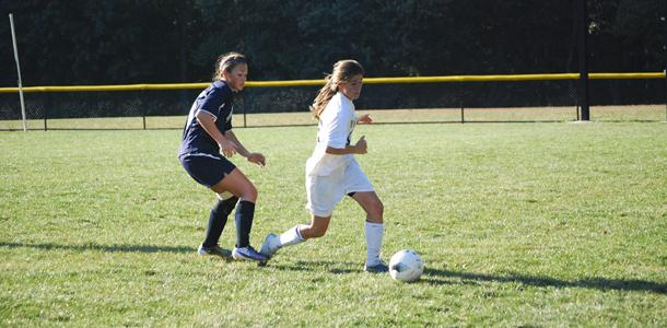 Women's soccer tramples Pallotti 8-0