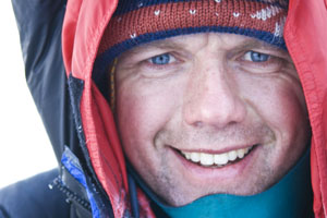 Everest climber stuns assembly