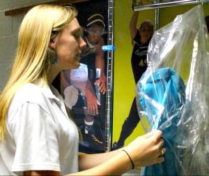 Senior alleviates prom costs through Cinderella's Closet