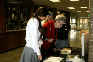Senior reflects on family struggles during Holocaust