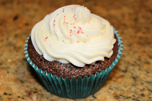 Cupcakes with Cassidy: Peppermint hot chocolate cupcakes warm up the season