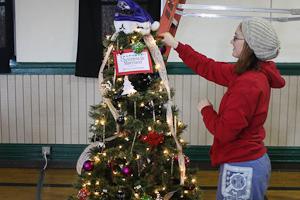 Romero Club ventures to Festival of Trees, raises money for Chesapeake Cancer Alliance