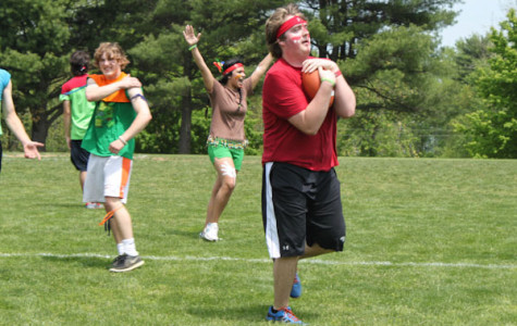 Field day gives seniors chance to bond, stress free