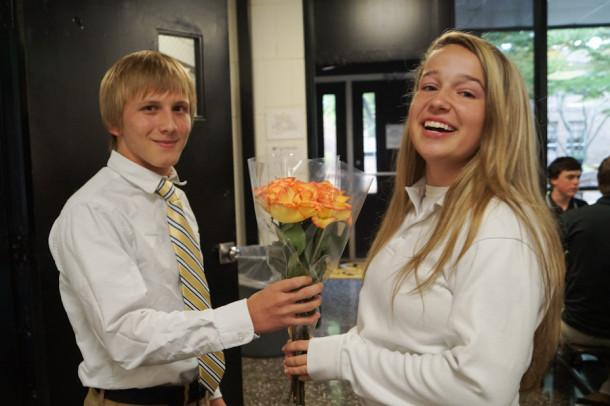 Christmas Homecoming Proposal.Editor Gives Tips And Tricks For Perfect Homecoming Proposal