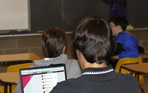 Pro V. Con: Social media stimulate student distraction