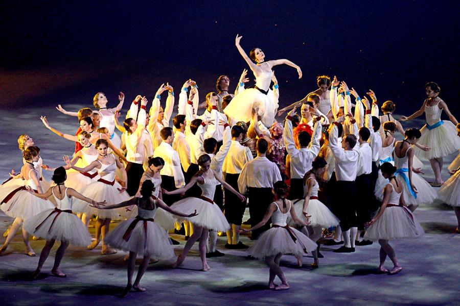 Members+of+the+Bolshoi+and+Marlinski+ballet+companies+take+part+in+the+Closing+Ceremony+for+the+Winter+Olympics+in+Sochi%2C+Russia.+The+Closing+Ceremony+was+on+Feb.+23.+