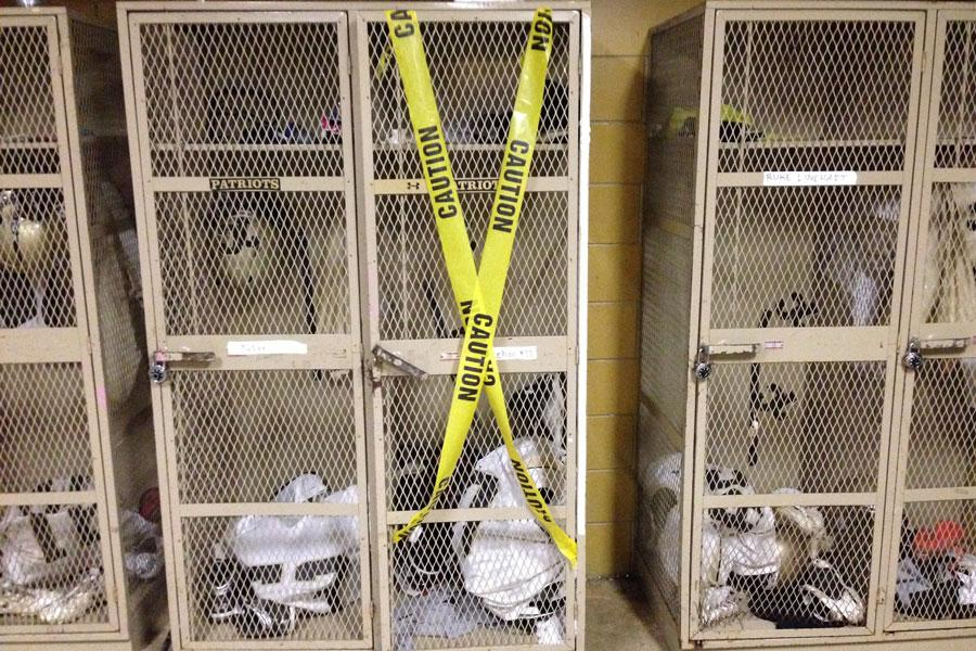 +Senior+varsity+football+player+Ryan+Sheehan+recently+had+150+dollars+stolen+from+his+locker.+Locker+room+thefts+have+occurred+in+both+the+men%27s+and+women%27s+locker+rooms.