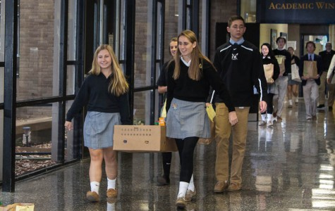 Week In Pictures: Food Drive, Junior Class Yard Sale, and AP Psychology