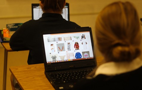 The Patriot In-Depth: students spend free time online shopping