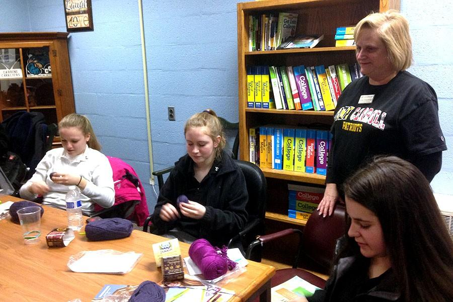 Crocheting for the Sisters of St. Joseph, the Romero Club takes upon a new challenge. Moderator Susan Strawbridge asked teachers around the school for help to teach the members the art of crocheting.