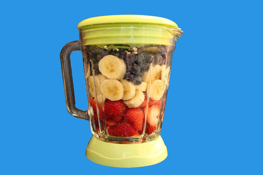 Media Chief Lauren Glase discusses the value of smoothies in ones diet.  She lists specific foods that are must haves for the perfect smoothie and provides recipes.