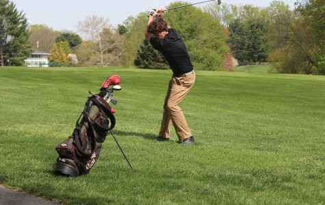 Golf team drives into playoff race