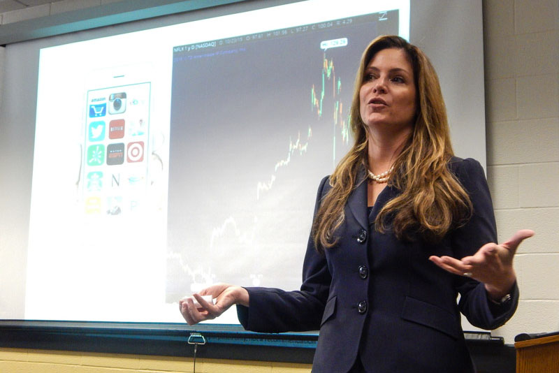 Nicole Sherrod, class of '93, gives a talk to students in Financial Literacy and Entrepreneurial Sciences on Oct. 29. Sherrod works for TD Ameritrade and talked to students about investing in stocks.