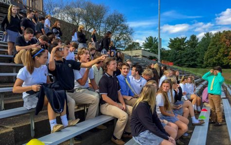Week In Pictures: Welcome Wednesday, French exchange, Spanish club, senior panoramic picture, and diversity