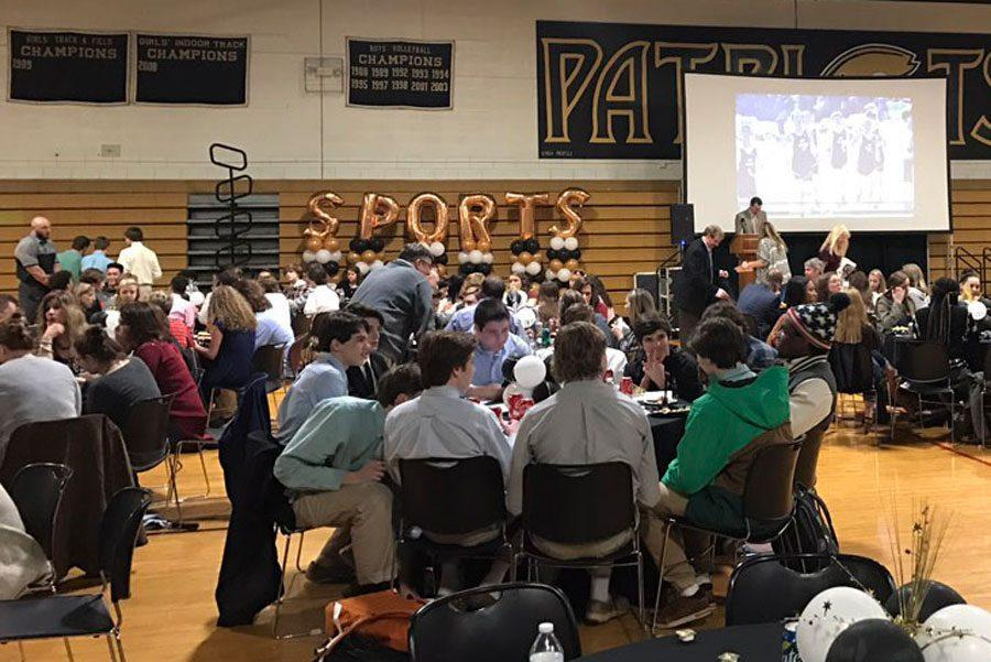 JC students eat dinner while waiting for athletic awards to be given during the fall and winter athletic banquet. Sports banquets are held to recognize exceptional athletes from sports teams of each season.