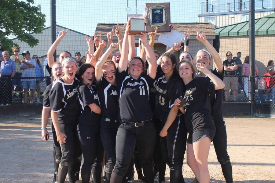 Softball team succeeds in season