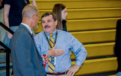 President experiences class as prospective student