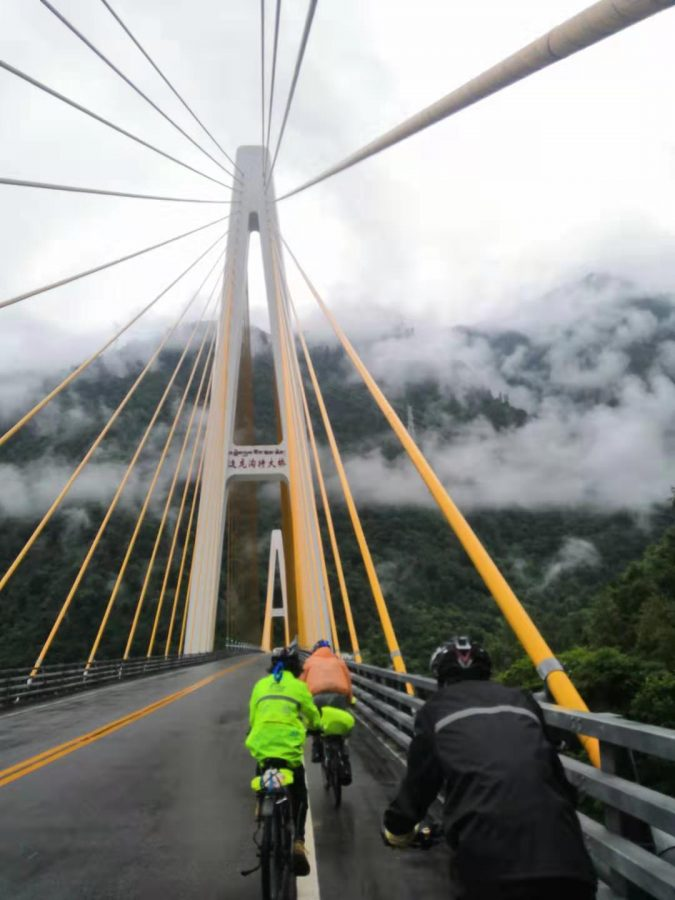 Huang bikes 1000 miles
