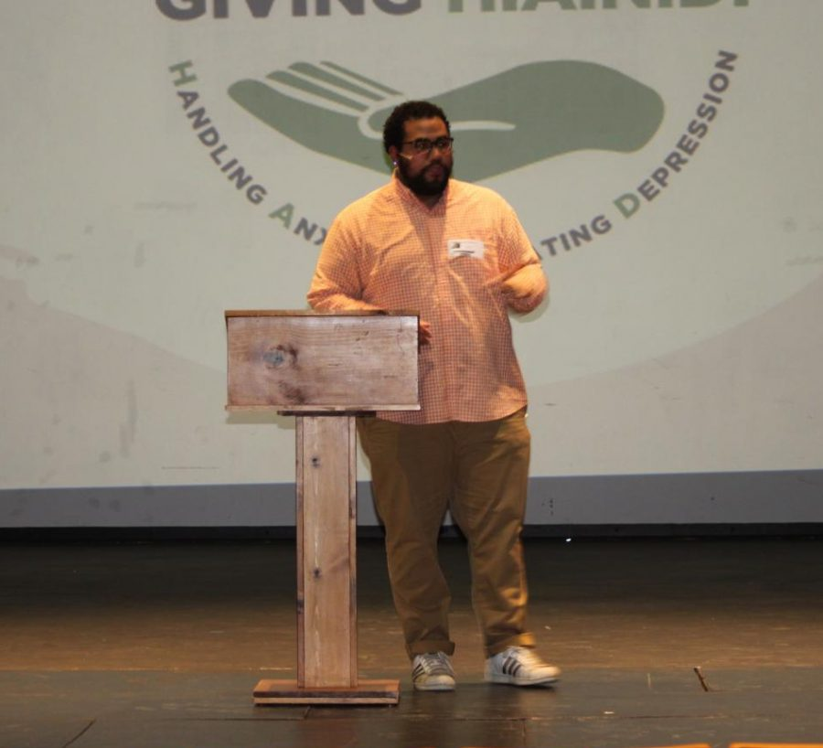 Gabe Webster speaks about mental health at Friends R Family event